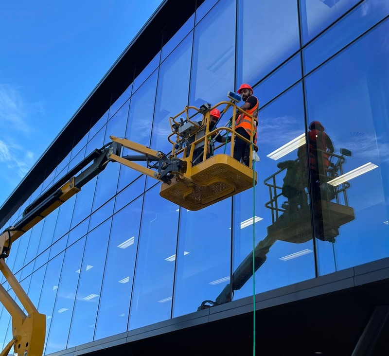 commercial-windows-building-cleaning-auckland