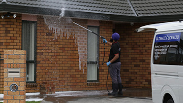 house-wash-windows-cleaning-in-waikato-hamilton-tauranga-thames-new-zealand